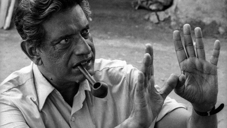 সত্যজিৎ রায় : ২মে, ১৯২১।  তাঁর প্রথম ছবি 'পথের পাঁচালী' তৈরি করতে গিয়ে তিনি নিজের জীবনবিমা বিক্রি করে দিয়েছিলেন। বন্ধক রেখেছিলেন স্ত্রী-র গয়নাও। শেষমেশ তৎকালীন মুখ্যমন্ত্রী বিধান চন্দ্র রায় টাকার ব্যবস্থা করে দিলে 'পথের পাঁচালী' তৈরি হয়। ভারতে এক আধুনিক চলচ্চিত্র ভাষার জন্ম দেন সত্যজিৎ রায়।