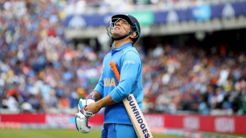 ভারতীয় উইকেট কিপারদের মধ্যে সর্বোচ্চ রান (৪৮৭৬)।