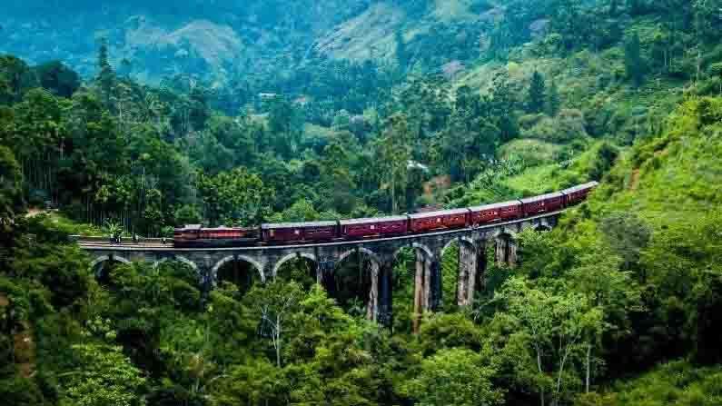 শ্রীলঙ্গা—ভারতের দক্ষিণ প্রান্তের প্রতিবেশী দেশ। রয়েছে পাহাড়, সমুদ্র, জঙ্গল।