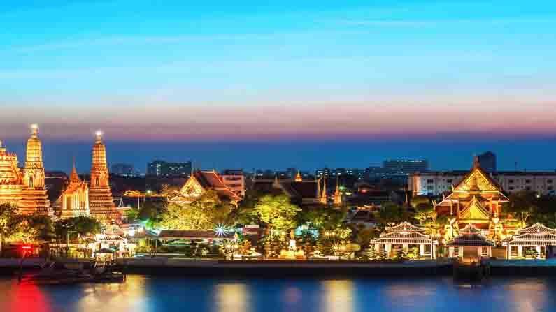 থাইল্যান্ড—এশিয়া মহাদেশের অন্যতম ভ্রমণস্থান থাইল্যান্ড। রয়েছে একাধিক সৈকত, পাহাড় সবটাই।